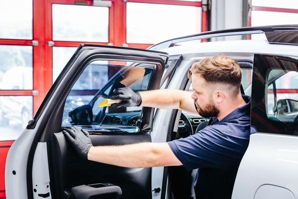 Autoglas folieren für Sichtschutz,Sonnenschutz & Splitterschutz in Hameln